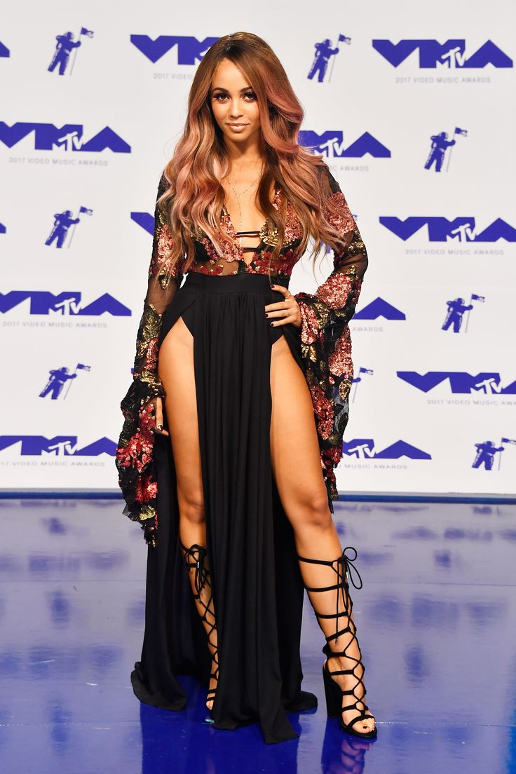 Mtv Vmas 2017 Fashion Live From The Red Carpet Vanessa