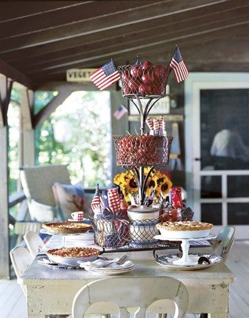Fourth of July - sunflowers & apples - very Americana