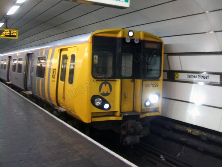 Class 507 029 on the Merseyrail James Street Station