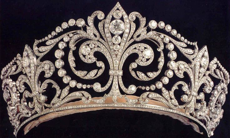 Its called the Fleur de Lis Tiara and was a wedding gift to Victoria Eugenia of Spain from her husband, Alfonso XIII in 1906. It was favourite of Ena, and she took it into exile with her, later loaning it out. Her son and daughter held it after the Queen's death, and gave it to the current Queen Sofia after the Spanish Restoration. The current Queen wears it frequently to State Events, when warranted.