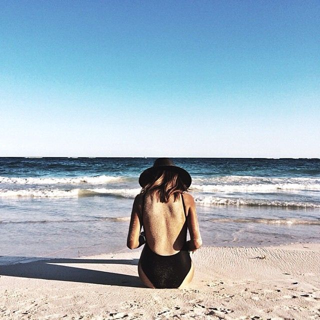 ÚÚÚÚÚÚgy vágyom a tengerre, már egy hete :-<