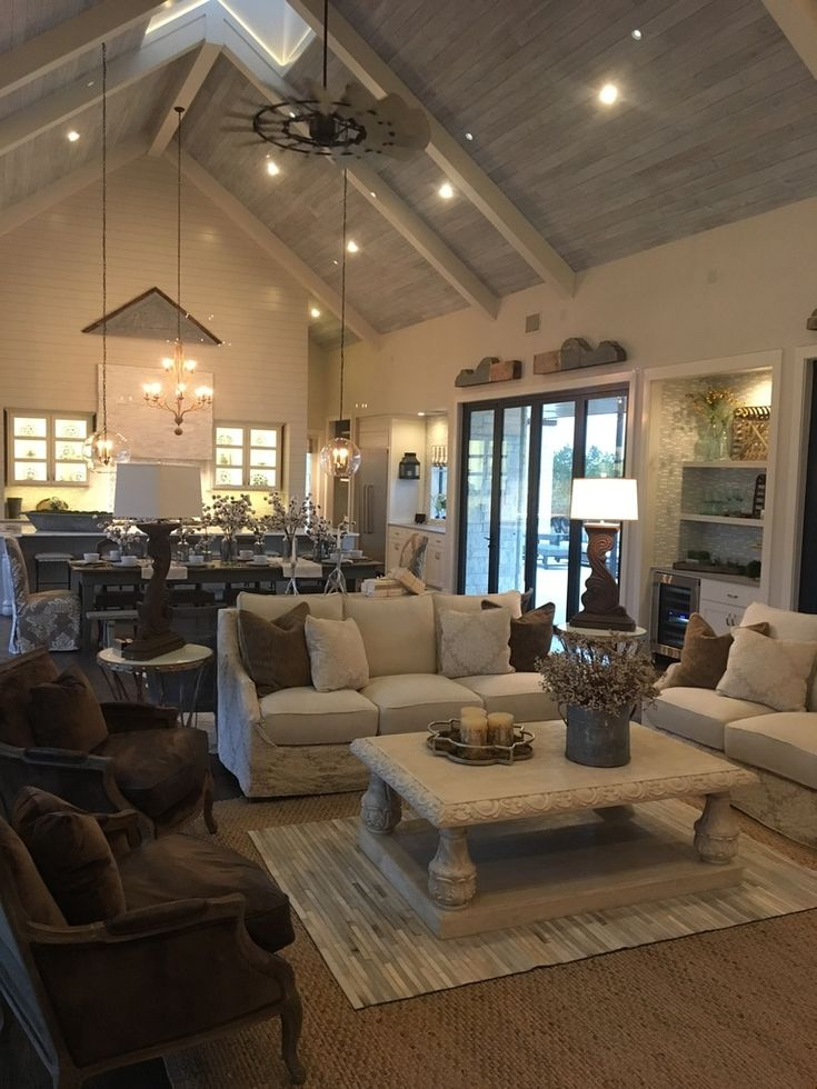 As many of you already know- WE MADE IT TO THE PARADE OF HOMES! We have had the amazing opportunity to partner with Michelle Thomas Design to design and fully furnish the Jenkins Vineyard Farm House...