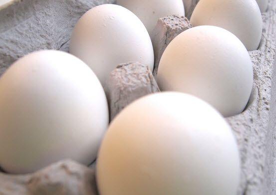 12 gros oeufs blancs à 1.27$ après coupon - Quebec echantillons gratuits