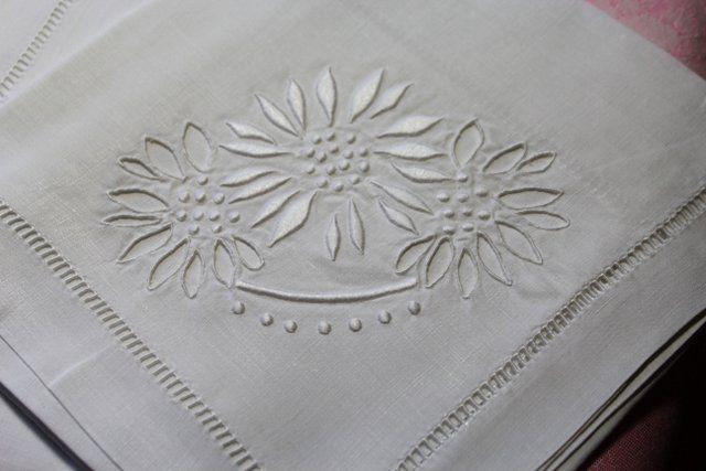 Cinq serviettes anciennes en fil de lin brodées main / Linge ancien 127712