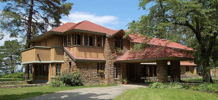70 best images about craftsman exterior on pinterest for Frank lloyd wright craftsman
