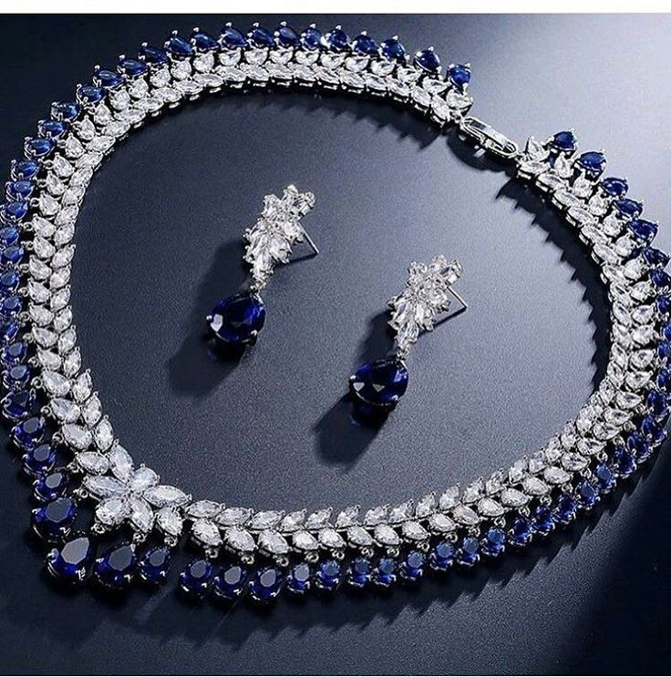 @seventh_pearl. Blue is always Royal color