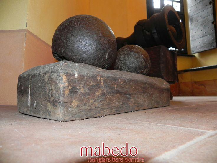 Palle di cannone al Castello Dal Verme di Zavattarello