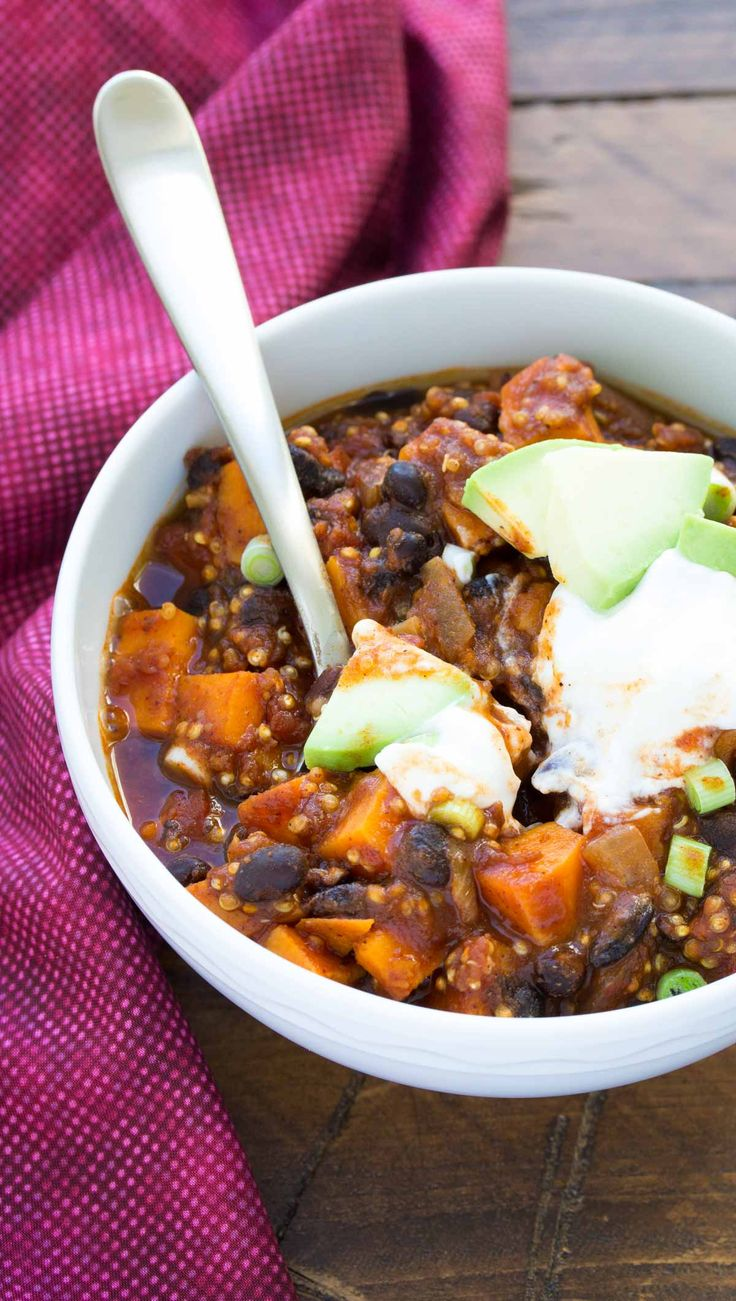 This Sweet Potato and Black Bean Chili with Quinoa is a hearty vegetarian (and vegan) chili that's full of protein and flavor! Healthy and easy to make!