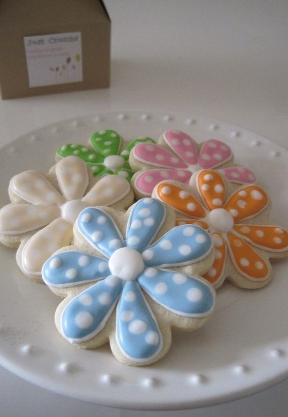 cute spring Flower cookies found on Etsy Blue Pink White Orange Daisy Shape