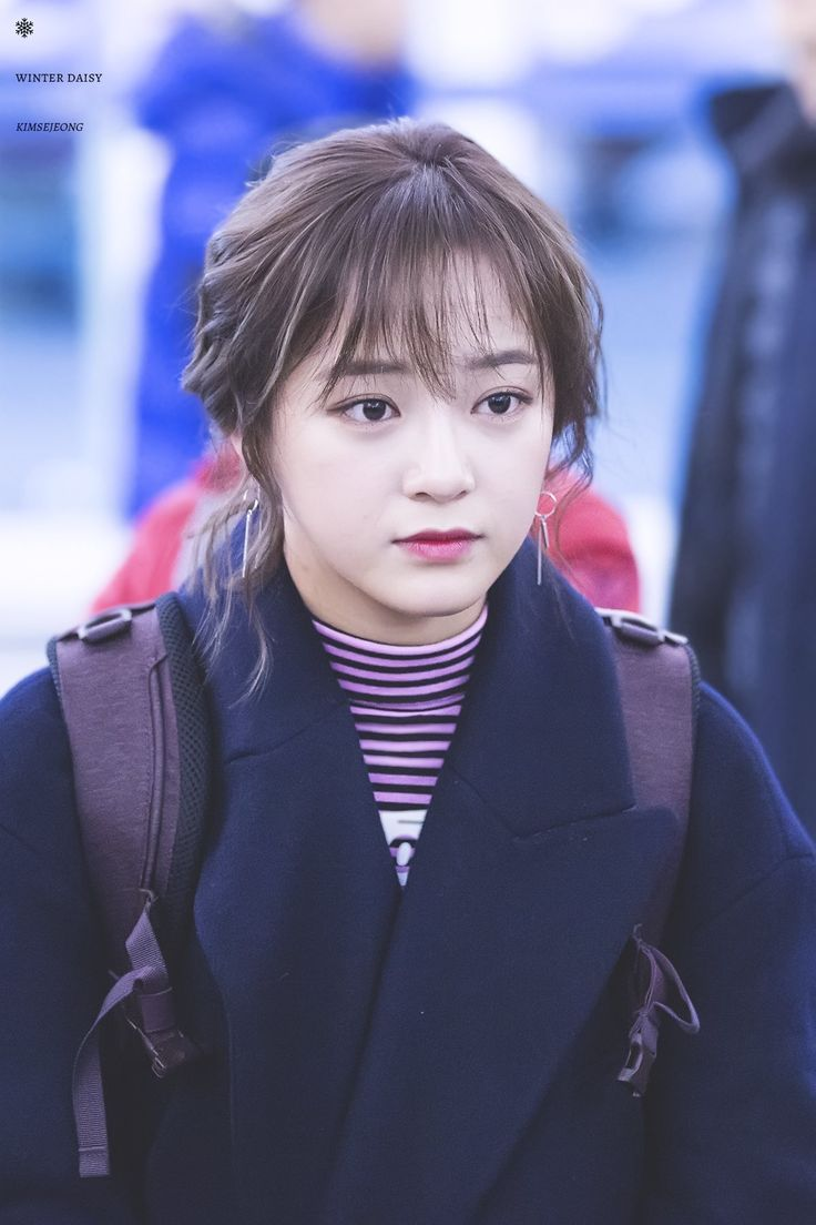 """170128 - Kim Sejeong @ Incheon airport to Sumatra, Indonesia for """"Law of the Jungle"""" (cr.WinterDaisY1204)"""
