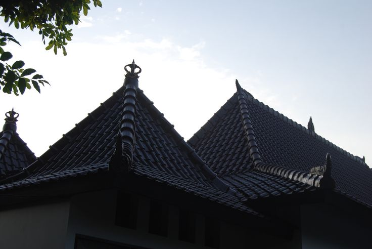 Traditional roof style of private villa Ambary House Gili Trawangan. ambaryhouse.com