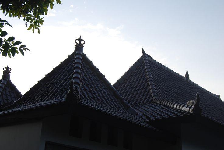 Traditional roof style of private villa Ambary House Gili Trawangan. ambaryhouse.com