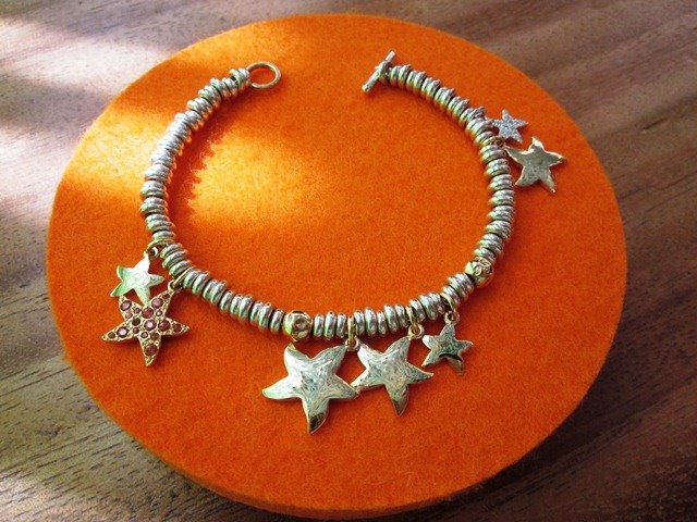 Bracelet created by the Düsseldorf Dodo boutique.