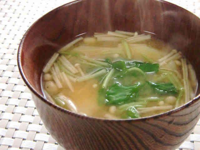 ❁じゃが芋とエノキ茸の味噌汁❁の画像