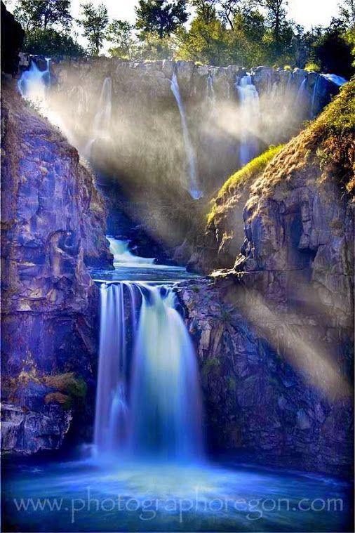 993 best Waterfalls images on Pinterest Waterfalls, Waterfall