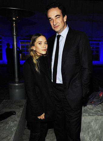 Мэри-Кейт Олсен вышла замуж за Оливье Саркози - http://russiatoday.eu/meri-kejt-olsen-vyshla-zamuzh-za-olive-sarkozi/ Закрытая церемония прошла в Нью-Йорке в таунхаусе звездной парыМэри-Кейт Олсен и Оливье СаркозиАктриса (в прошлом) и модельер Мэри-Кейт Олсен вышла замуж за финансиста Оливье С�