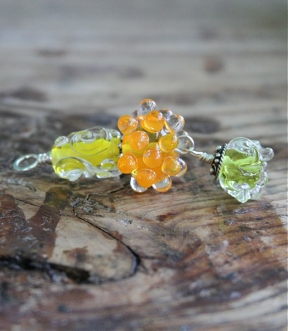 Beautiful, handmade art glass jewelry by Sara Whitis