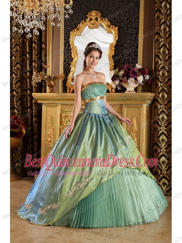 http://www.dressforquinces.com/clearance-quinceanera-dresses-c-84.html  2013 Designer Matching jacket Quinces dresses on May Day  2013 Designer Matching jacket Quinces dresses on May Day  2013 Designer Matching jacket Quinces dresses on May Day