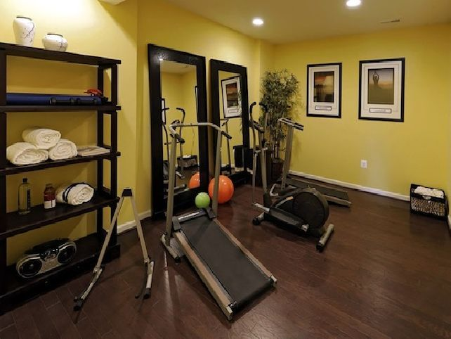 17 best ideas about small home gyms on pinterest for Small exercise room