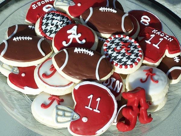 Alabama football cookies :)Tide Rolls, Alabama Football, Football Parties, Rolls Tide, Cookies Cutters, Alabama Cookies, Football Cookies, Football Season, Roll Tide