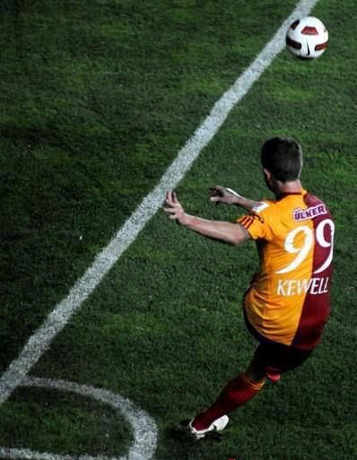 """My name is Harr Kewell, Kewell from Galatasaray"""