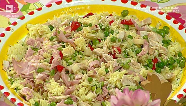 """La ricetta della insalata di riso giallo di Anna Moroni proposta nella puntata del 17 aprile 2017, de """"La prova del cuoco""""."""