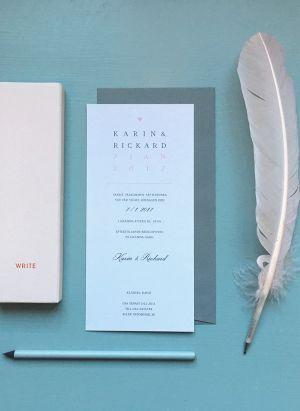 Trend Inbjudningskort | TRYCKSTUDION.SE  Inbjudningskort till bröllop i serien Trend. Enkelsidigt tryck i avlångt, stående format. Namn och datum längst upp i stilren design.   #inbjudningskort #bröllop #trend