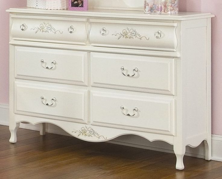 Best 25 White Bedroom Dresser Ideas On Pinterest Malm Dressers And Apartment Bedroom Decor