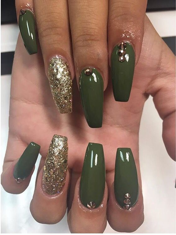 Best 25 green nail ideas on pinterest holiday nail art holiday we have gathered for you some 60 cool prom nail designs which are sure to pull you out of your misery of choosing one particular design for your prom night prinsesfo Gallery