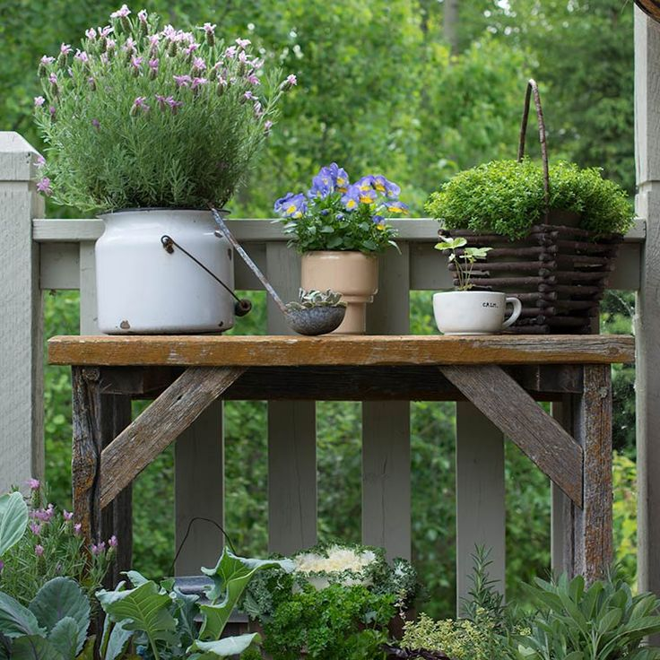 Love this potting bench in the garden
