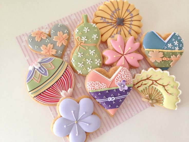 beautiful japanese motif cookies