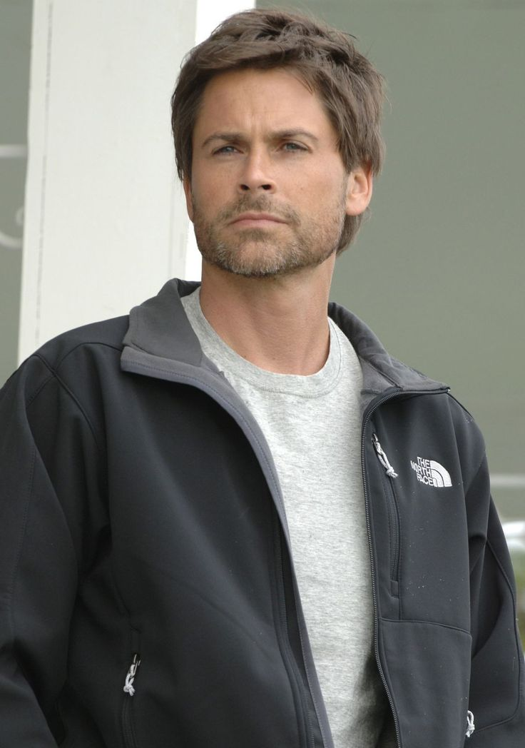 I love Rob Lowe! That lovely creature from many a great oldschool Lifetime Origional movie-he's still a hunk! haha.