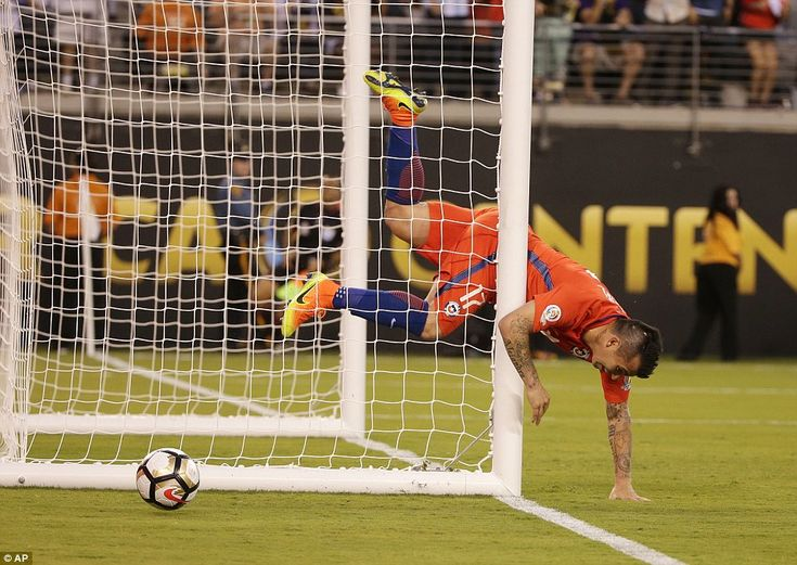 Gary Medel collided with the post as theChile defender chased back in bid to clear Higuai...