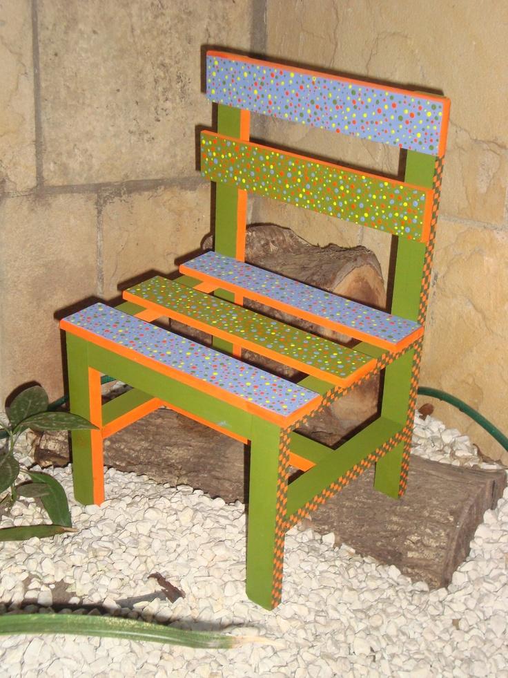 Cadeira de criança pintada á mão