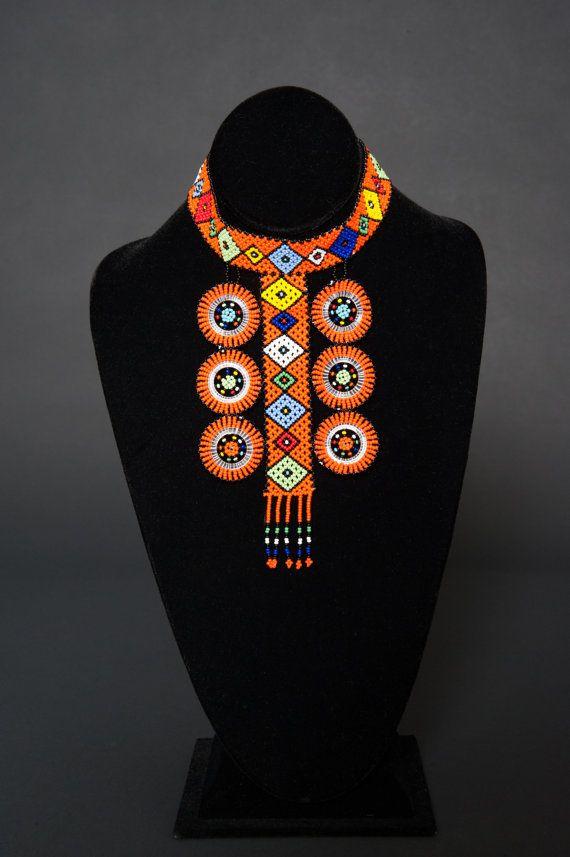 La place en forme de Zulu disque Choker par HouseofYimama sur Etsy