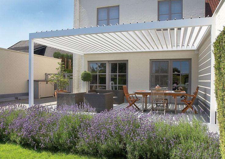 Vinkelbara motordrivna taklameller, kan stängas helt, vattentätt. Modell Algarve.