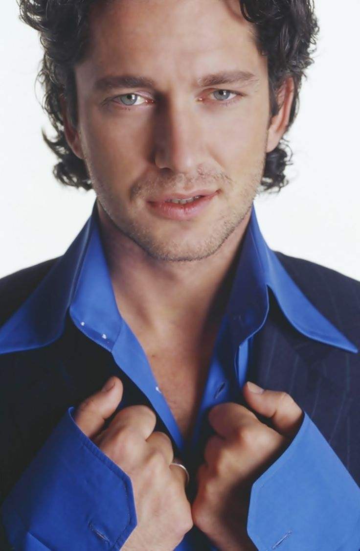 Gerard Butler: he is so young! I love it!