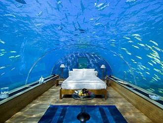 Suite negli abissi: l'hotel Poseidon si trova alle isole Fiji. Realizza l'antico sogno di vivere negli abissi degli oceani.