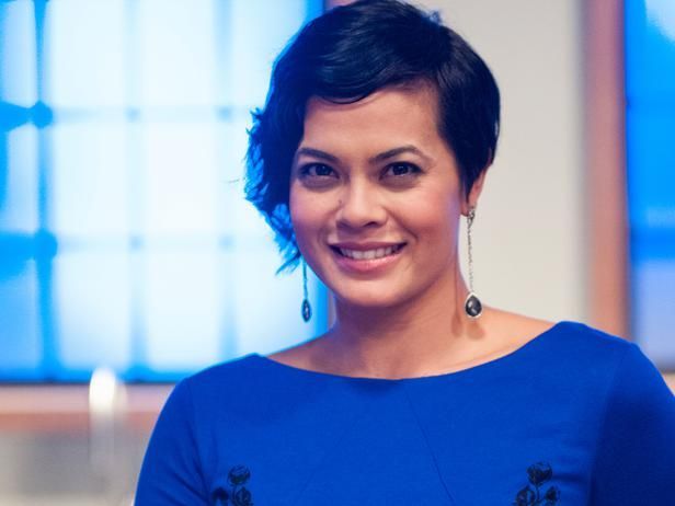 Stacey Poon-Kinney - Fell in love with her haircut when I was watching Restaurant Impossible... I think I want this haircut