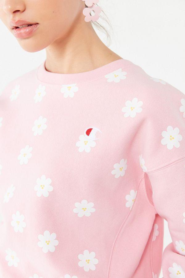 f416e4d9 Champion UO Exclusive Daisy Crew Neck Sweatshirt in 2019 | s t y l e r e d  o | Crew neck sweatshirt, Champion clothing, Sweatshirts