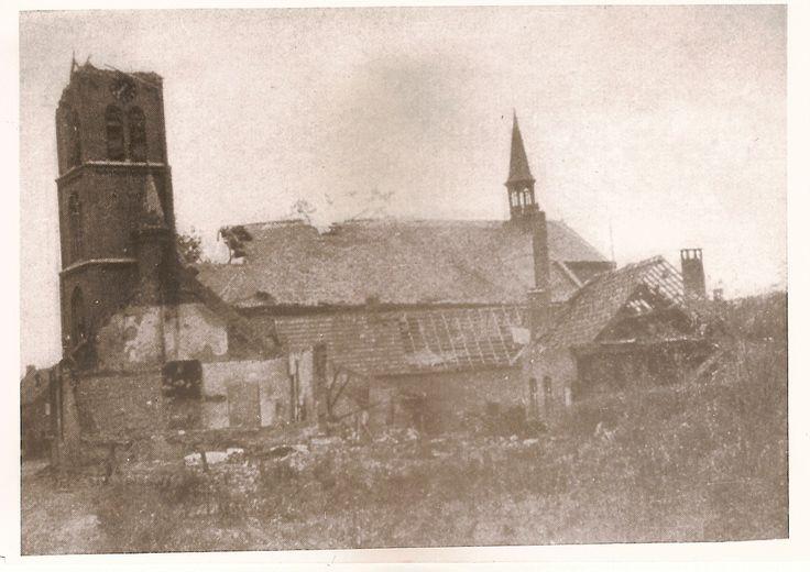 De kerk verwoest in september 1944 van Ommel
