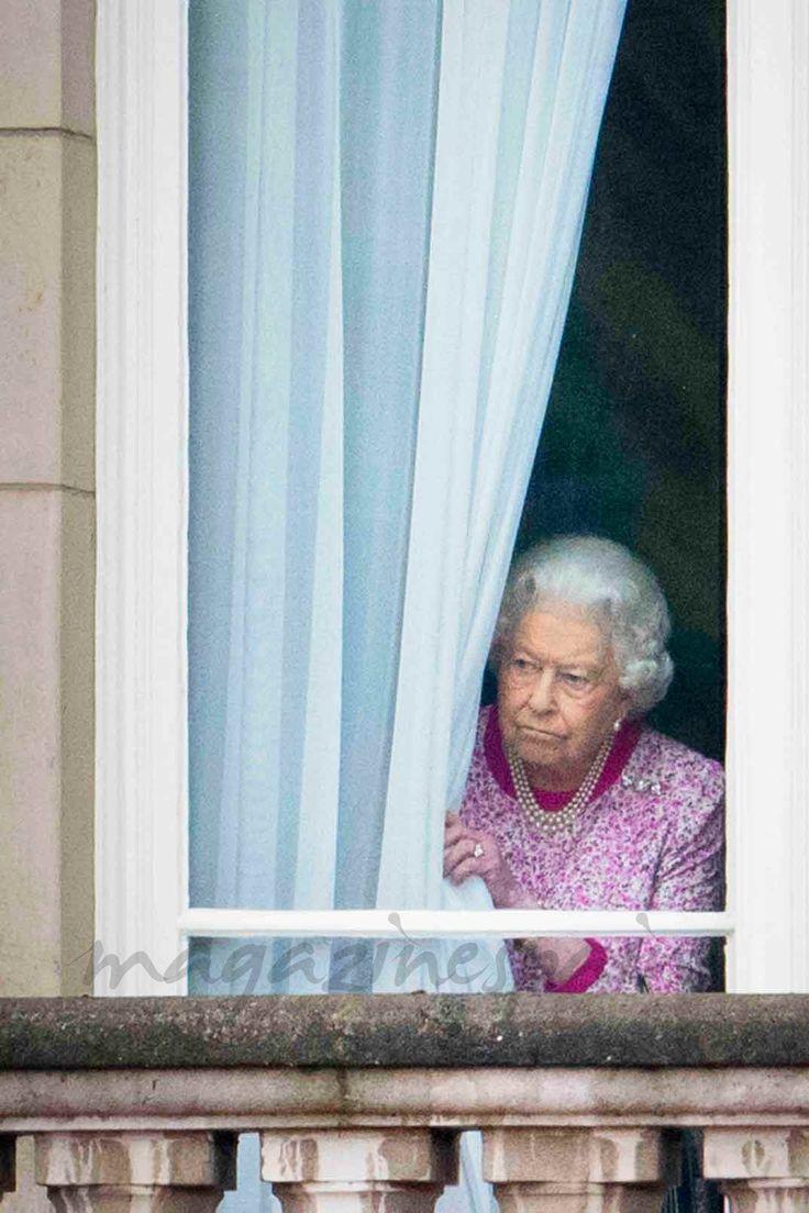 El susto que le dió a un niño la reina Isabel II de Inglaterra