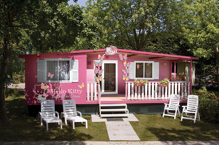 You can find the Hello Kitty mobile homes only on the Family Parks ECVacanze: Altomincio Family Park,on Lake Garda and I Pini Family Park, close to Rome.