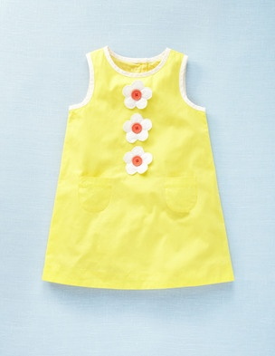 Daisy Shift Dress                                                                                                                                                                                 Mais