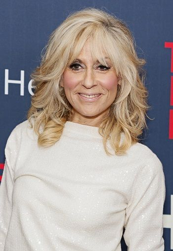 layered medium length hair styles 25 best ideas about medium length layered hairstyles on 2889 | 05463838110b308a0e4d372deca02dac yo momma judith light