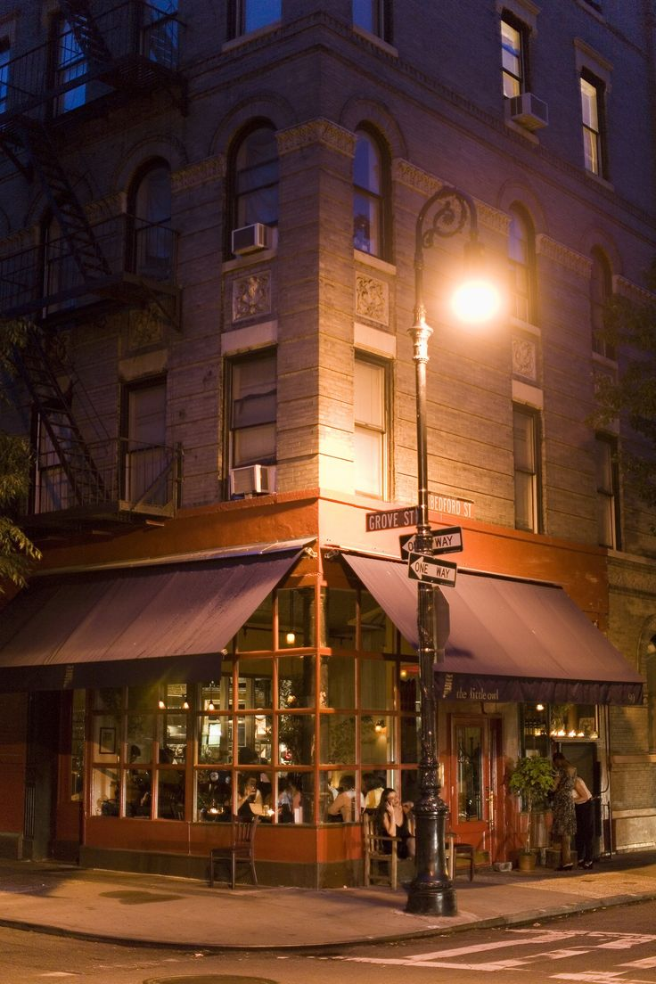 NYC. The Little Owl, 90 Bedford St. at Grove St.