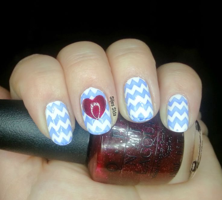 valentine's day nails, alla hjärtans dag naglar. OPI - Alpine Snow, the chevron is stamped with OPI - Dating a Royal and BM-423. The hart is made with tape and one layer of OPI - In My Santa Suit and one layer of OPI - Underneath the Mistletoe