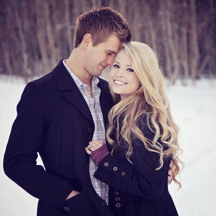 Beautiful Utah Winter Engagement Picture