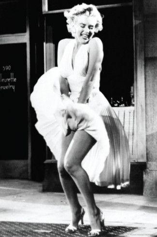 Marilyn Monroe. Love the dress!