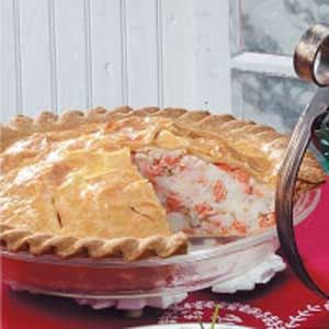 New England Salmon Pie.  Traditional French Canadian fare I grew up with.  Very good!